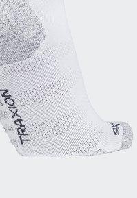 adidas Performance - Alphaskin Traxion Ultralight Crew Socks - Sportsokken - white - 3