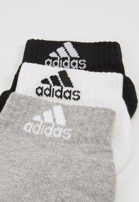 adidas Performance - CUSH ANK 3 PACK - Calcetines de deporte - medium grey/white/black - 2