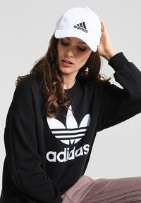 adidas Performance - 6P - Kšiltovka - white/black - 1