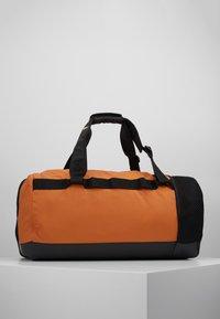adidas Performance - Treningsbag - tech copper/black/flash orange - 2