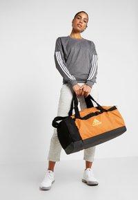 adidas Performance - Treningsbag - tech copper/black/flash orange - 1