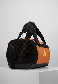 adidas Performance - Treningsbag - tech copper/black/flash orange - 3