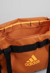 adidas Performance - Treningsbag - tech copper/black/flash orange - 4