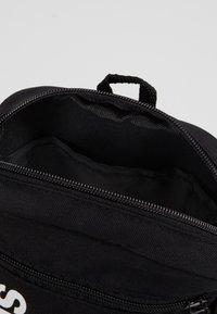 adidas Performance - ESSENTIALS LINEAR SPORT ORGANIZER BAG - Torba na ramię - black/white - 4