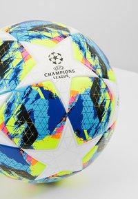 adidas Performance - FINALE - Fodbolde - white/bright/cyan/shock yellow - 3