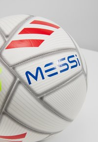 adidas Performance - MESSI - Balón de fútbol - white/cyan raw yellow - 3