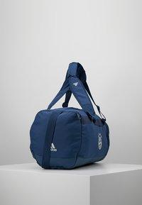 adidas Performance - FC BAYERN MÜNCHEN  - Sporttas - night marine/trace blue/light solar grey - 4