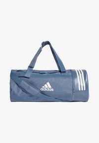 adidas Performance - Convertible 3-Stripes Duffel Bag Medium - Sportovní taška - marine - 0