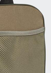 adidas Performance - LINEAR DUFFEL BAG - Reiseveske - brown - 5