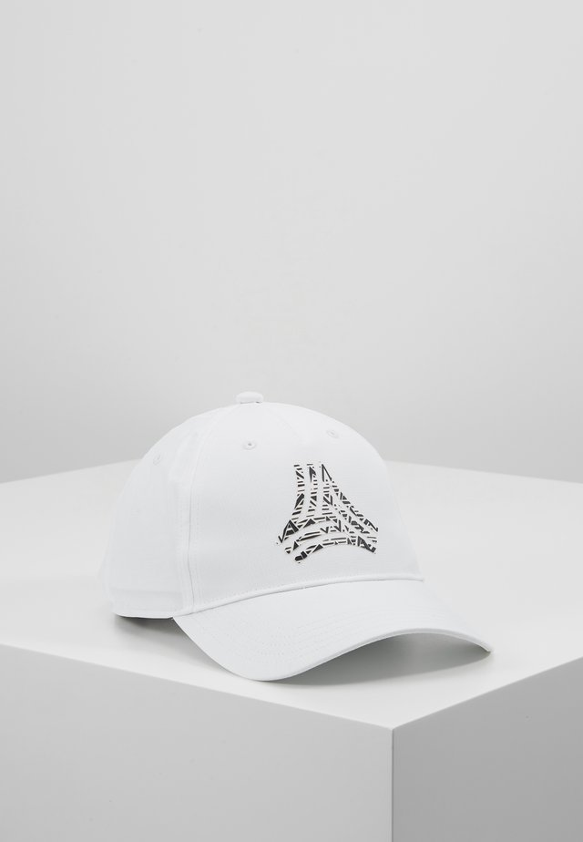 Cap - white/black/scarlet