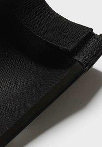 adidas Performance - TRAINING SHIN GUARDS - Scheenbeschermers - black - 3