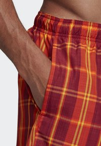 adidas Performance - CHECK PRINT SWIM SHORTS - Badeshorts - red - 3