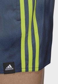 adidas Performance - 3-STRIPES FADE CLX SWIM SHORTS - Costume da bagno - blue - 5
