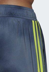 adidas Performance - 3-STRIPES FADE CLX SWIM SHORTS - Costume da bagno - blue - 6