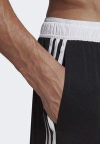adidas Performance - 3-STRIPES CLX SWIM SHORTS - Shorts da mare - black - 7