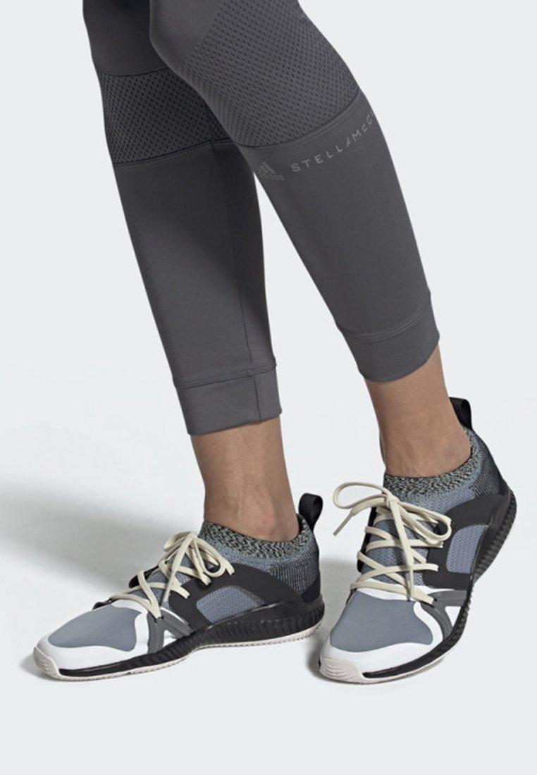 adidas by Stella McCartney - CRAZYTRAIN PRO SHOES - Treningssko - grey