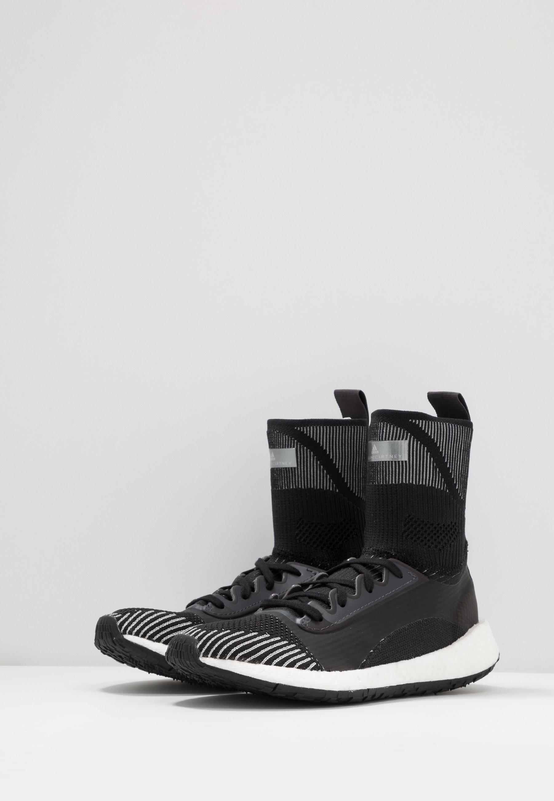 adidas by Stella McCartney PULSEBOOST HD MID S. - Gym- & träningskor - utility black/dust rose