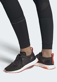 adidas by Stella McCartney - ULTRABOOST T SHOES - Stabilty running shoes - black - 0