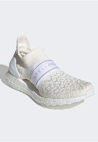 adidas by Stella McCartney - 2020-03-02 ULTRABOOST X 3D KNIT SHOES - Stabile løpesko - white - 3