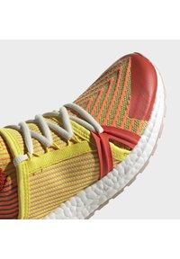 adidas by Stella McCartney - 2020-03-02 ULTRABOOST 20 S SHOES - Laufschuh Natural running - orange - 9