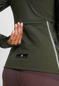 adidas by Stella McCartney - RUN LONGSLEEVE - Longsleeve - dark oak - 6