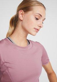 adidas by Stella McCartney - ESSENTIALS SPORT CLIMALITE WORKOUT T-SHIRT - Funkční triko - light pink - 3