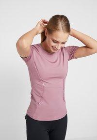 adidas by Stella McCartney - ESSENTIALS SPORT CLIMALITE WORKOUT T-SHIRT - Funkční triko - light pink - 0