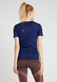 adidas by Stella McCartney - ESSENTIALS SPORT CLIMALITE WORKOUT T-SHIRT - Funktionströja - dark blue - 2