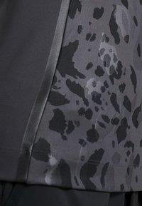 adidas by Stella McCartney - RUN TEE - T-shirt imprimé - black - 4