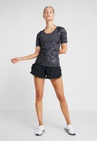 adidas by Stella McCartney - RUN TEE - T-shirt imprimé - black - 1