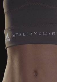 adidas by Stella McCartney - HEAT.RDY FITTED CROP TOP - Top - grey - 7