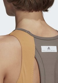 adidas by Stella McCartney - HEAT.RDY FITTED CROP TOP - Top - grey - 6