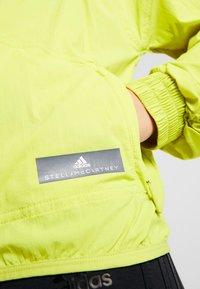 adidas by Stella McCartney - SPORT RUNNING LIGHT JACKET - Trainingsvest - green - 5