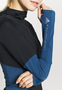 adidas by Stella McCartney - HOODED - Funktionströja - black/blue - 5