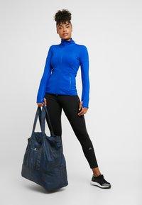 adidas by Stella McCartney - LARGE TOTE - Sportväska - blue/black/white - 1