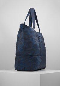 adidas by Stella McCartney - LARGE TOTE - Sportväska - blue/black/white - 3