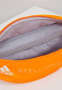 adidas by Stella McCartney - BUMBAG - Schoudertas - sorang/white