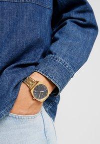 adidas Originals - PROCESS_M1 - Zegarek - gold/navy - 0