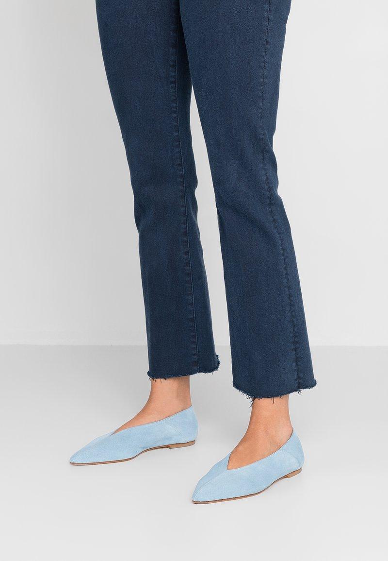 Aeyde - MOA - Slip-ons - cornflour blue
