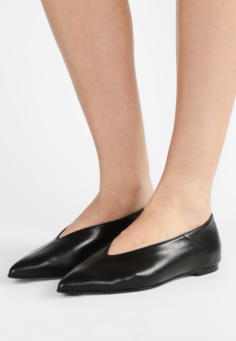 Aeyde - MOA - Loafers - ink black