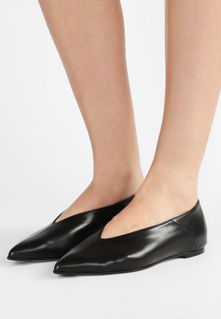 Aeyde - MOA - Slip-ons - ink black