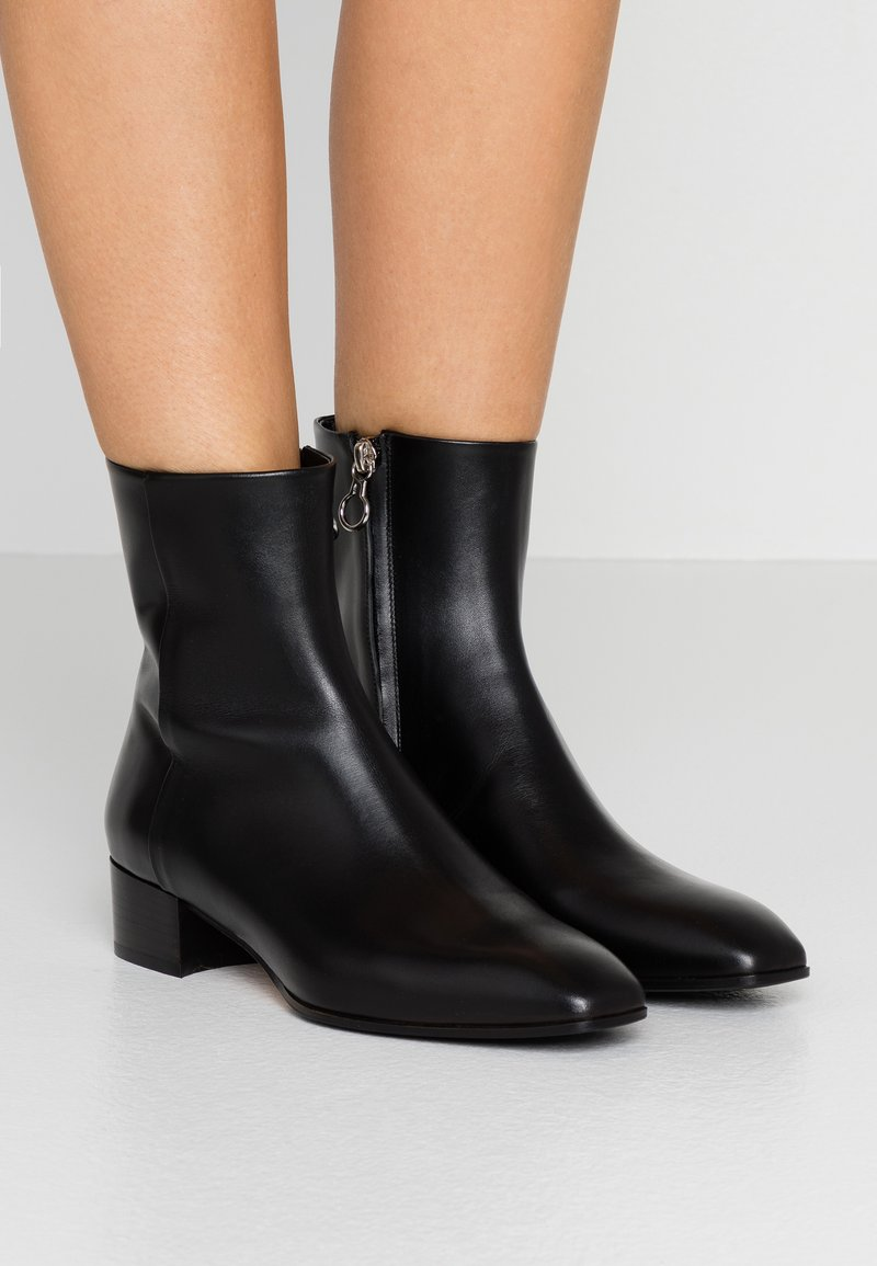 Bottines by Aeyde