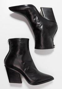 Aeyde - CHERRY - Kovbojské/motorkářské boty - black - 3