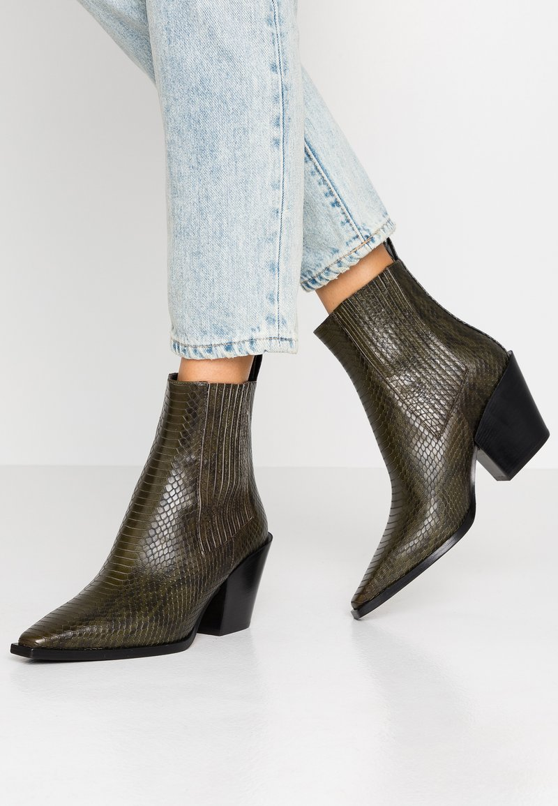 Aeyde - KATE  - Cowboy/biker ankle boot - green