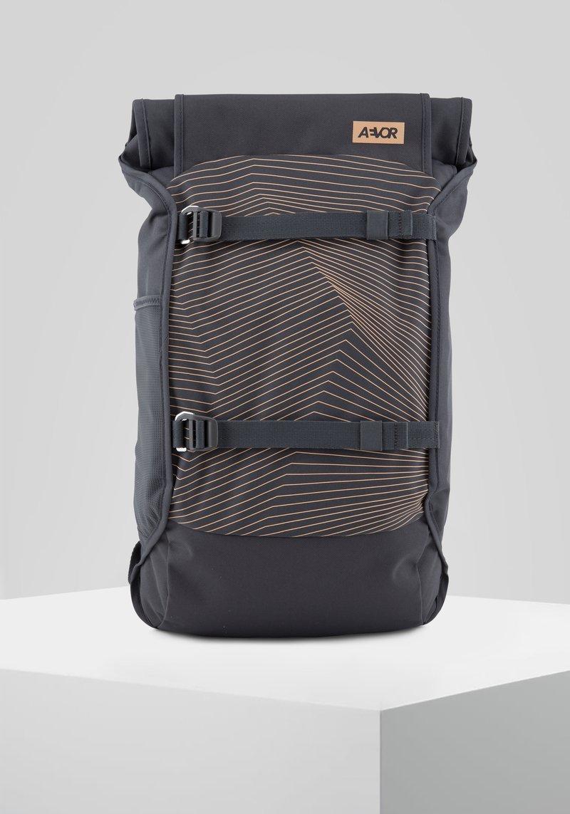 AEVOR - TRIP PACK - Tagesrucksack - apricot