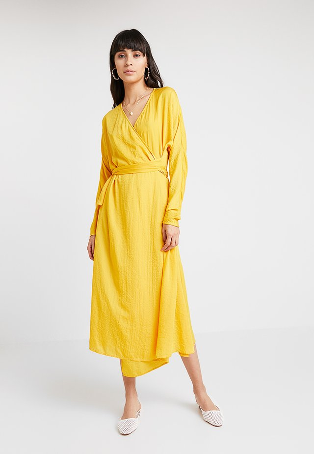 YVETTE DRESS - Robe longue - mangue