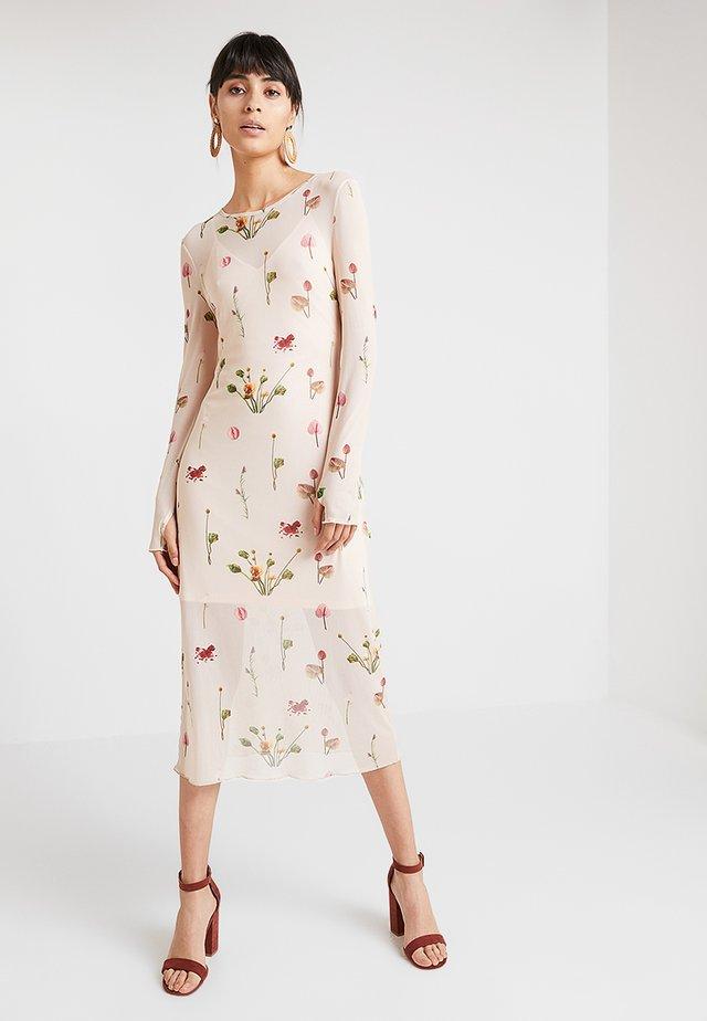 SANDRINE  - Denní šaty - pink