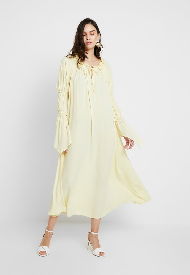 EUTHRIA DRESS - Denní šaty - soleil