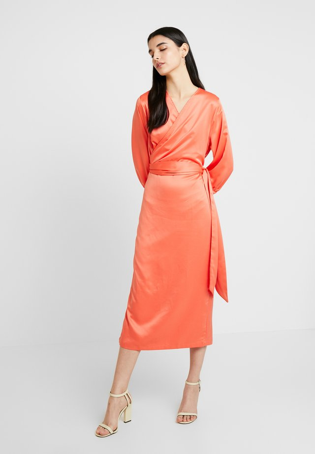 COWRY DRESS - Freizeitkleid - mandarin