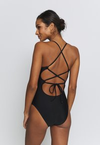 aerie - ONE PIECE STRAPPY BACK BASIC SOLID - Maillot de bain - true black - 2